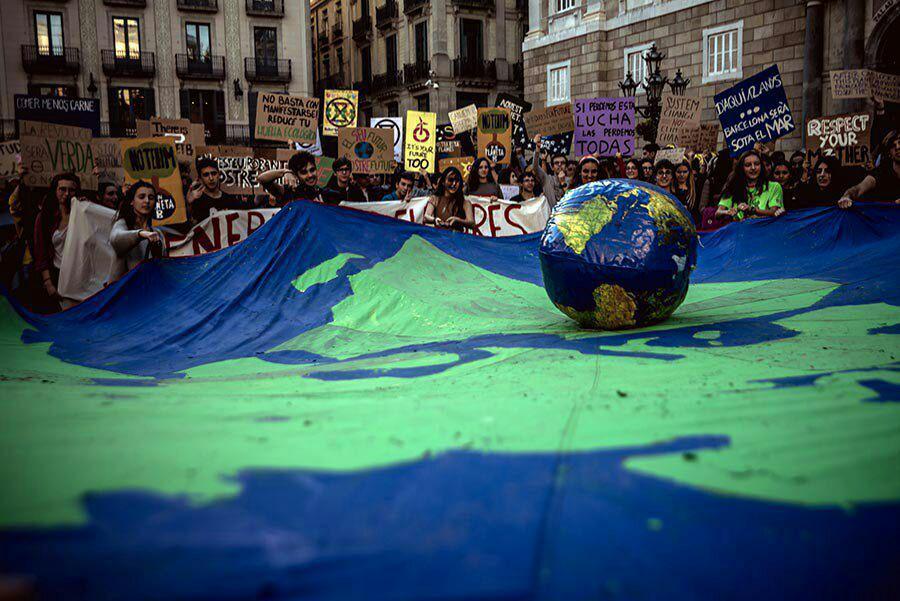 Resultado de imagen para Huelga por el clima En defensa del futuro, de un planeta vivo y de un mundo justo